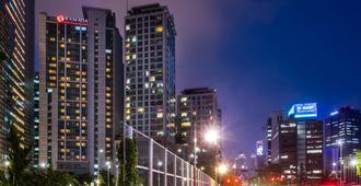 Ramada Hotel & Suites by Wyndham Seoul Namdaemun - Seoul - Building