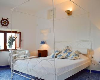 Casa Corallo - Panarea - Bedroom