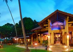 Royal Palms Beach Hotel - Galle - Building