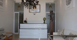 The Noble Lodge - Cape Town - Front desk
