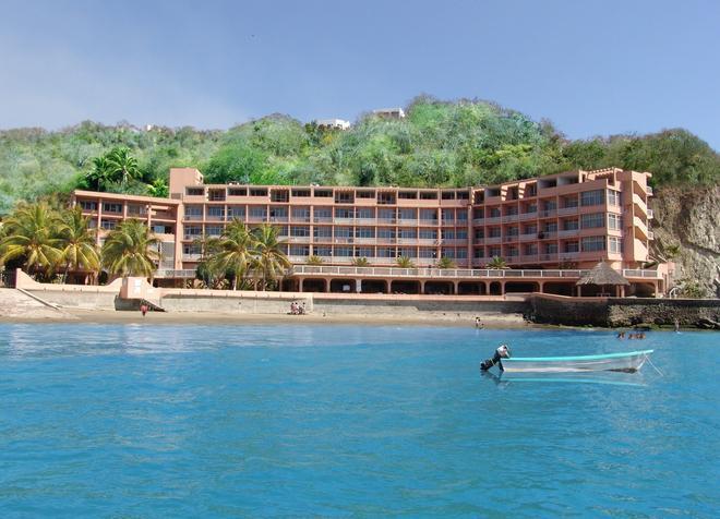 Playa de Santiago - Manzanillo - Building