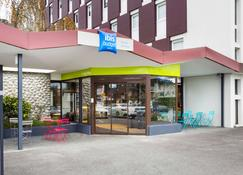 Ibis Budget Thonon Les Bains - Thonon-les-Bains - Building