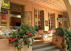 Grand Hotel De Lyon - Vals-les-Bains - Bedroom