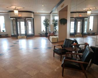 Royal Inn and Suites - Guelph - Lobby