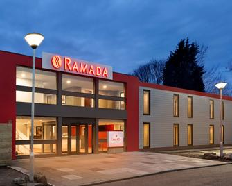 Ramada by Wyndham Chorley South - Chorley - Gebäude