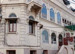 Palace On Ganges - Varanasi - Rakennus