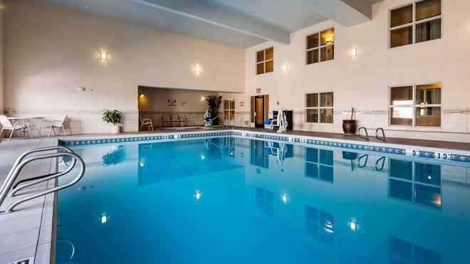 Best Western Plus Executive Suites - Albuquerque - Pool