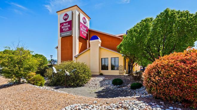 Best Western Plus Executive Suites - Albuquerque - Building