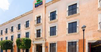 Holiday Inn Express Oaxaca-Centro Historico - Oaxaca - Building