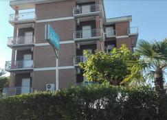 Hotel Kennedy - Ravenna - Building