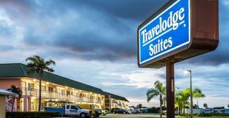 Travelodge Suites by Wyndham Lake Okeechobee - Okeechobee - Building