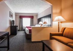 Comfort Suites - Clackamas - Bedroom
