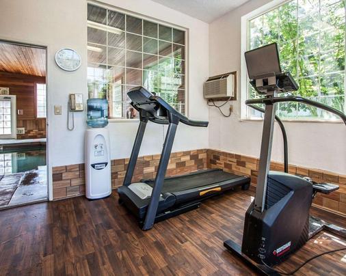 Comfort Suites - Clackamas - Gym