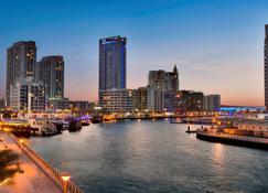 Wyndham Dubai Marina - Dubai - Vista del exterior