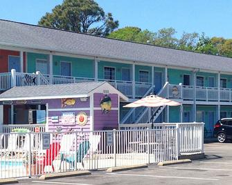 Drifters Reef Hotel - Carolina Beach - Building