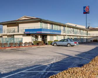 Motel 6 Owensboro - Owensboro - Gebouw