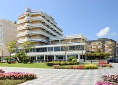 Hotel Caesar - Cesenatico - Edificio