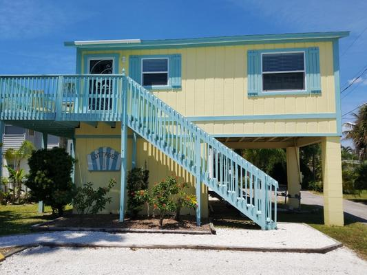 Cedar Cove Resort and Cottages - Holmes Beach - Building