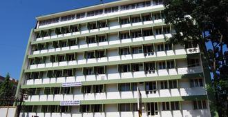 Hotel Srinivas - Mangalore