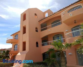 Club Hotel Cantamar by the Beach - La Paz - Building