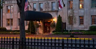 Hotel Lombardy - Washington - Building
