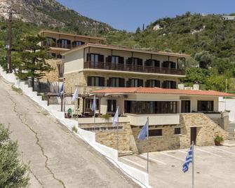 Corali Hotel - Kymi - Gebäude