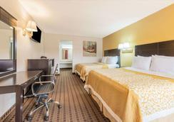 Days Inn by Wyndham South Fort Worth - Fort Worth - Bedroom