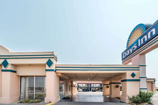 Days Inn by Wyndham South Fort Worth - Fort Worth - Building