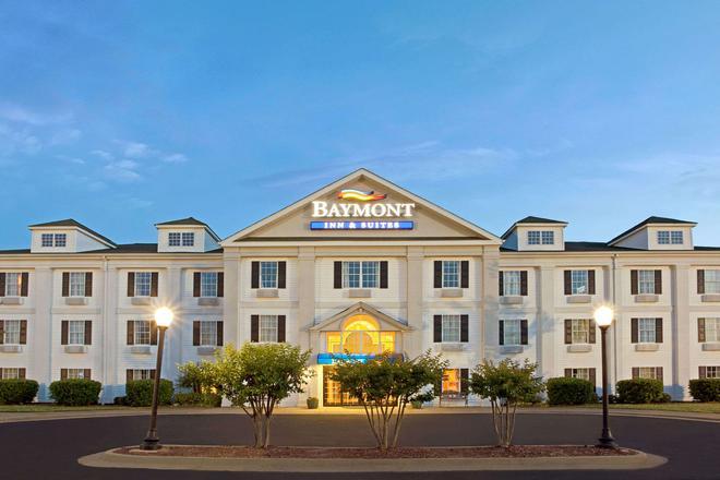 Baymont Inn and Suites Pearl - Pearl - Κτίριο