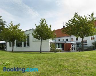 Youth Hostel Vandrarhem Svanen - Kalmar - Gebouw