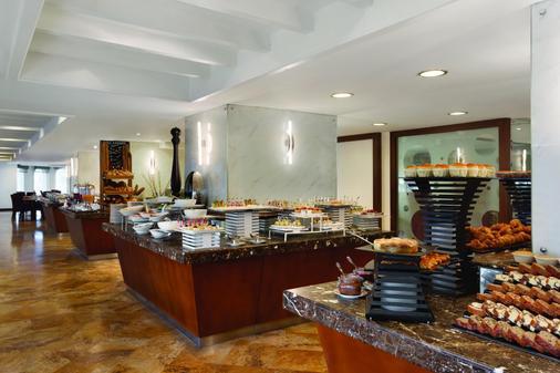 溫德姆麗晶大酒店 - 多哈 - 多哈 - 自助餐