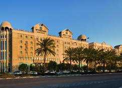 Wyndham Grand Regency Doha - Doha - Edificio