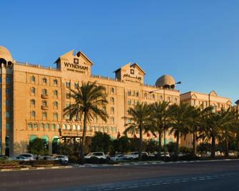 Wyndham Grand Regency Doha - Doha - Building