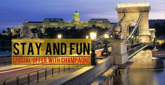 City Hotel Ring - Budapest - Outdoors view