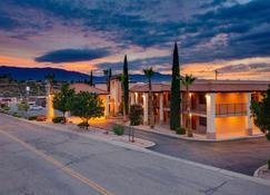 Best Western Copper Hills Inn - Globe - Building