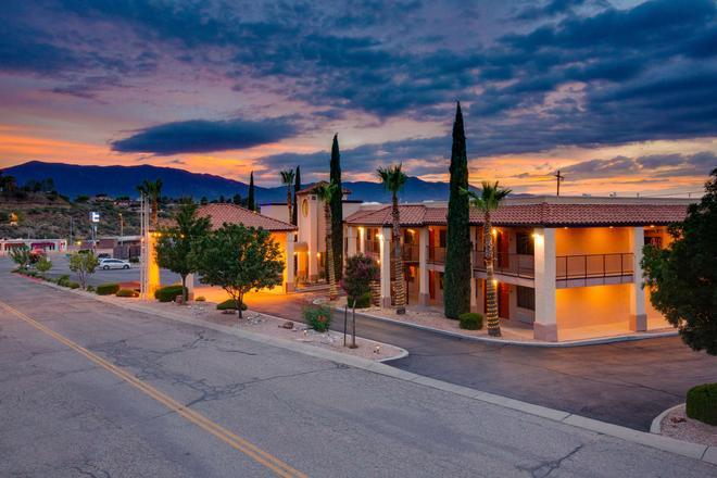 Copper Hills Inn - Globe - Edificio
