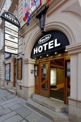 Enjoy Inn - Pilsen - Building