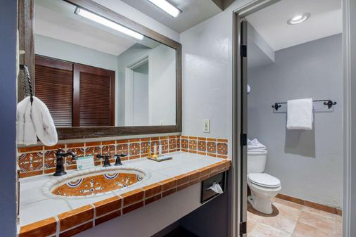 La Posada Lodge & Casitas, an Ascend Hotel Collection Member - Tucson - Bathroom