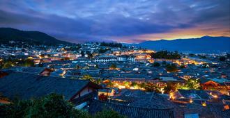 Intercontinental Lijiang Ancient Town Resort - Lijiang - Vista del exterior