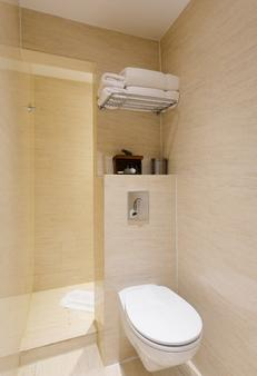 Mayflower Hotel & Apartments - London - Bathroom