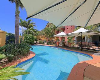 Kacy's Bargara Beach Motel - Bargara - Pool