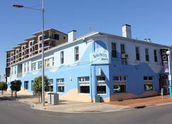 Beach Hotel - Burnie - Gebäude