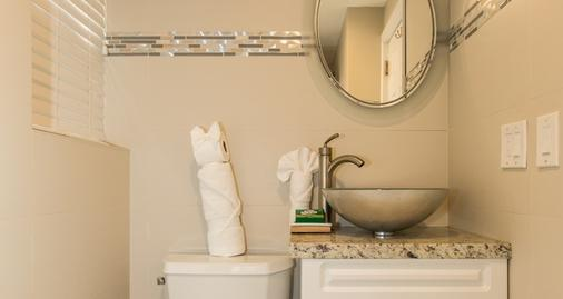 Premiere Hotel - Fort Lauderdale - Bathroom