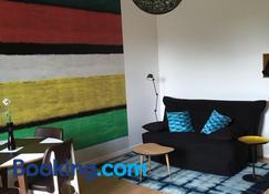 Studios Régina (Mer-Golf) - Biarritz - Living room