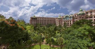 The Leela Palace Bangalore - เบงกาลูรู - อาคาร