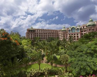 The Leela Palace Bangalore - Bengaluru - Building