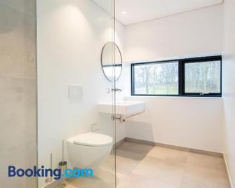 Klintholm Gods Lake Apartments - Borre - Bathroom