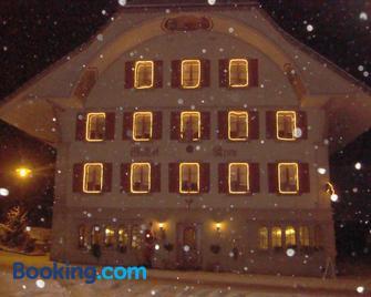 Gasthof Krone - Luthern - Building
