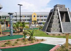 Inn at The Waterpark - Galveston - Building