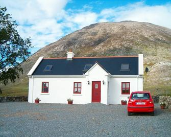 Self Catering Cottage In Picturesque Inagh Valley, Recess, Connemara, With Wi-Fi - Recess